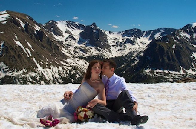 ColoradoWeddingPhotoRomanticTrailRidgeSnowTrashTheDress